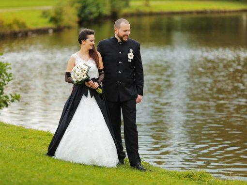 Sarah & Armin 07.10.2017/ 40 Hochzeitsgäste / Black Wedding